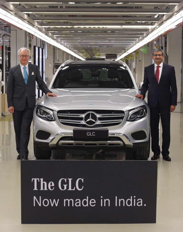 roland-folger-managing-director-ceo-mercedes-benz-india-and-piyush-arora-executive-director-operations-mercedes-benz-india-with-made-in-india-glc-3