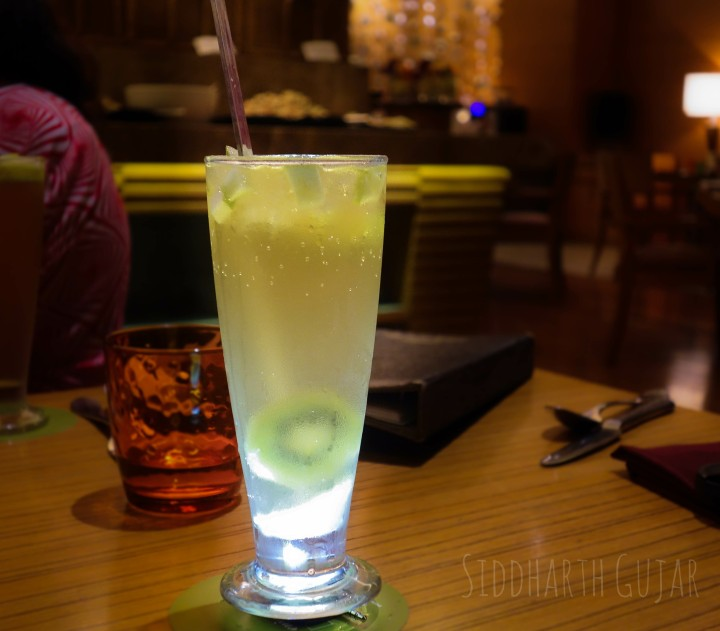 kiwi-apple mocktail-hyatt