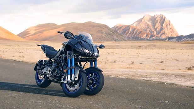 2018-yamaha-niken-3-wheeler-17