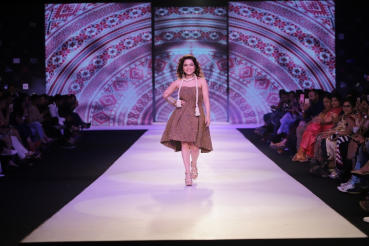 Chitrashi Rawat, the showstopper for Amin Farista at Pune Fashion Week 2017