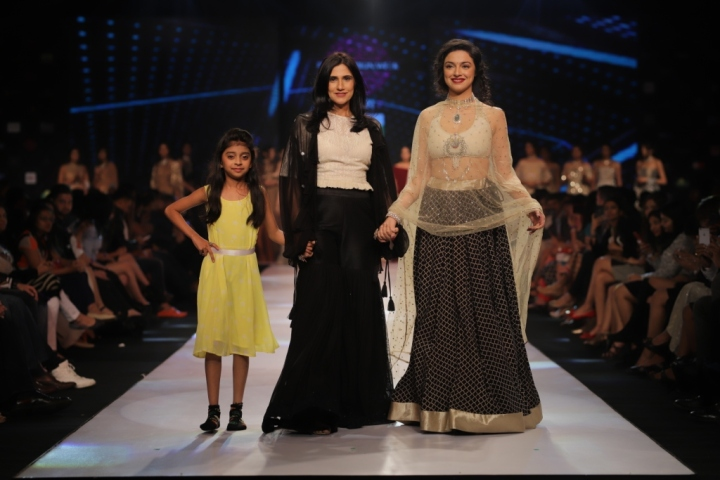 Divya Kumar Khosla - The Showstopper for Rina Dhaka (2)