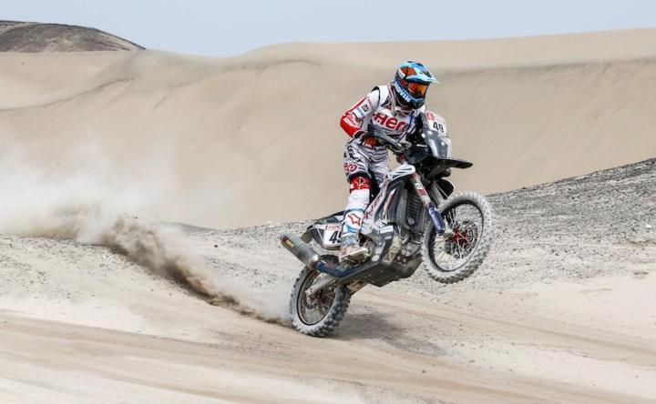 2018-dakar-stage-3-cs-santosh-hero_827x510_41515503323