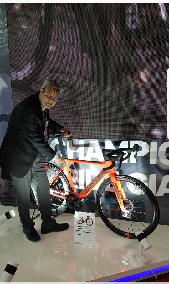 mr-pravin-patil-md-ceo-starkenn-sports-with-propel-advanced-disc.jpg