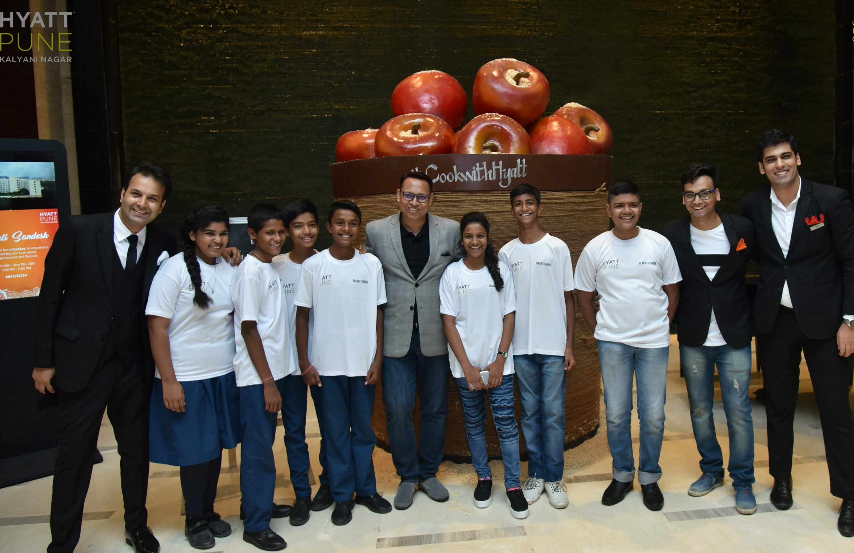 Special Participants from Teach For India at Hyatt Culinary Challenge Pune with Mr. Sumit Kumar, General Manager - Hyatt Pune