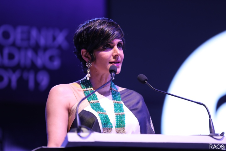 Mandira Bedi hosting the show