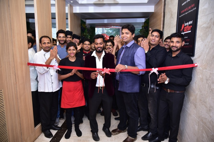 Centre (LtoR) Anjath Gowda - City Manager and Manu Nair, Corporate Executive Chef, Billion Smiles Hospitality during the launch of Ministry of Barbeque